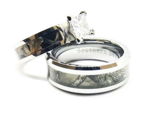 black-engagement-reg-camo-ring